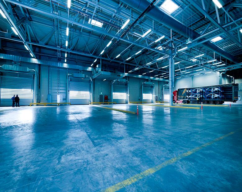 Iluminar grandes espacios con reflectores LED